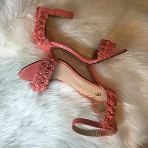 Chase & Chloe deep peach flowered w/ studs shoes